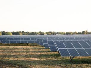 2014-05-16-solar-array-256-photosize